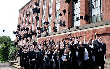 Come iscriversi all'Università a Londra con un diploma Italiano!