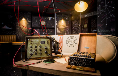 Crea un cocktail personalizzato con Enigma: a Londra apre il bar ispirato a The Imitation Game!